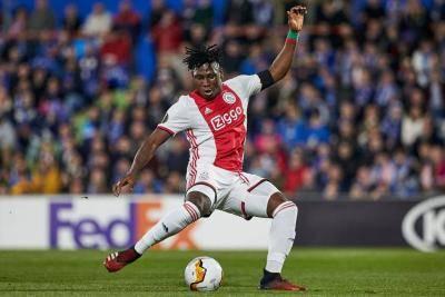 Lassina Traore, Si Pemborong 5 Gol Ajax
