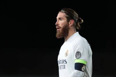 Sergio Ramos Jadinya ke Liverpool atau Manchester United, Nih?
