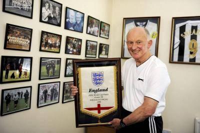 Alan Smith: Legenda Fisioterapis Sepak Bola Inggris