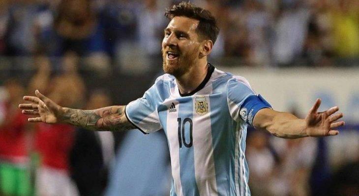سامپائولی: لیونل مسی بازیکن غیرقابل جانشین آرژانتین است