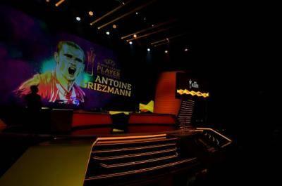 آنتوان گریزمان، بهترین بازیکن فصل 18-2017 لیگ اروپا