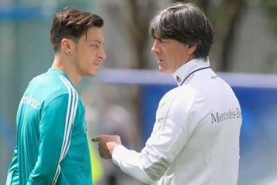 ناراحتی یواخیم لوو از کناره گیری اوزیل از تیم ملی آلمان