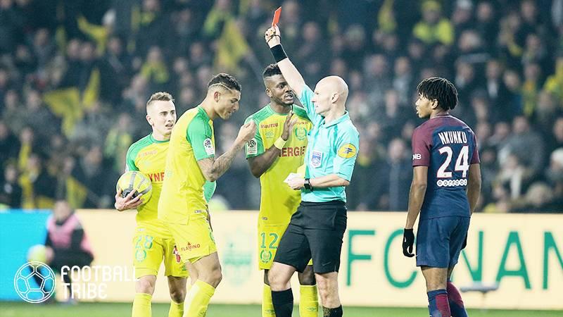 【動画】フランスサッカー連盟が選手に蹴りを入れた審判に対して無期限活動停止処分を言い渡す