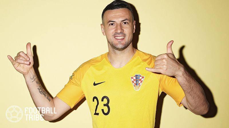 クロアチア代表GK、亡き親友と共にW杯制覇へ。会見で涙する場面も