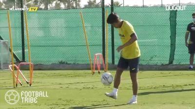 ビジャレアルの楽しそうな練習風景…久保建英、モレノとフットテニス