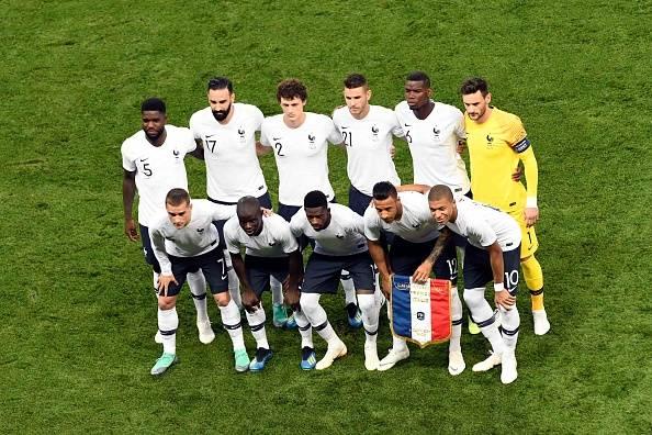 '우승 후보' 프랑스, 실수 놓치지 않은 미국에 덜미