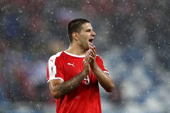 팀 패배에도 빛났던 '세르비아산 고공 폭격기' 미트로비치