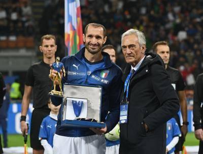 '이탈리아 역대 7번째' 대기록 달성한 키엘리니