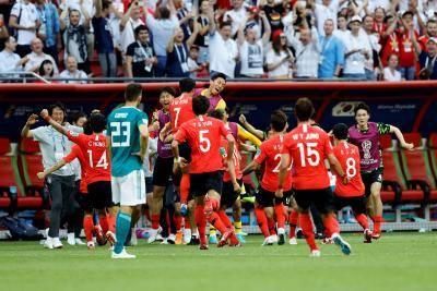 [카드 뉴스] 기사 하나로 몰아보는 2018년 해외 축구 주요 사건