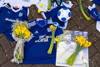 15일 장례를 위해 고향으로 운구 될 예정인 에밀리아노 살라의 시신