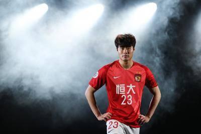 '국가대표팀 수비가 위험해요!' 한국 선수들의 험난한 중국 도전기