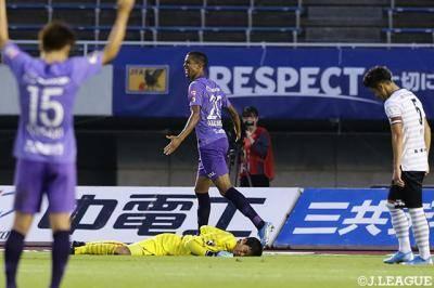 [J1리그] 참패한 고베, 대이변을 일으킨 사간…세 경기로 보는 28라운드
