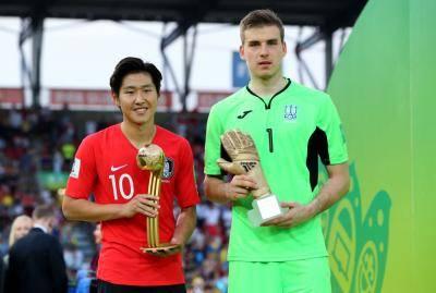 U-20 월드컵 골든볼 수상한 이강인, '골든보이 상' 최종 후보에 이름 올려