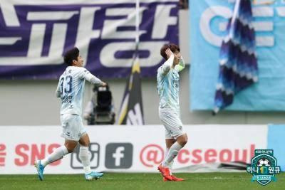 울산과 전북의 끝나지 않는 챔피언 경쟁, 이제 남은 경기는 단 2경기