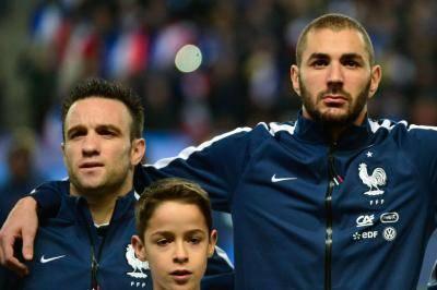프랑스에서 태어났지만, 알제리 대표팀을 선택했던 선수들은?