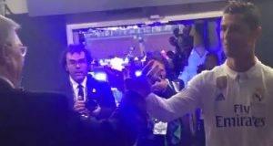 Sir Alex Ferguson Peluk Cristiano Ronaldo Ucap Tahniah Menjuarai UEFA Champions League.