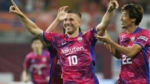 Video Podolski Jaringkan 2 Gol Dalam Penampilan Pertama Vissel Kobe