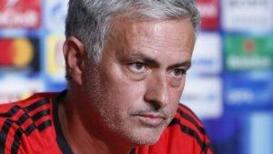 Mourinho mahu julang satu trofi malam ini