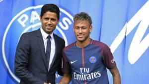 Santos Minta Wang Hasil Perpindahan Neymar Jr ke PSG, Barcelona Enggan Bayar.