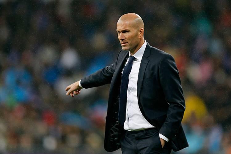 """Zinedine Zidane – """"Anda harus memusingkan halaman dan terus berusaha. Kami tidak boleh menjadi gila sekarang."""""""