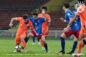 Felda United berjaya tewaskan JDT, Junior Eldstal kena kad merah