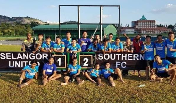 Demi membantu pembangunan liga sosial, Melaka United beri bantuan RM15k kepada Southern FC