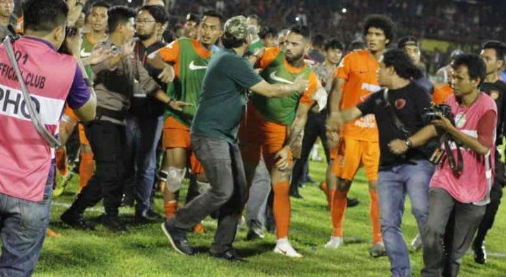 Tidak puas hati dengan keputusan, pemain Borneo FC cuba serang pengadil