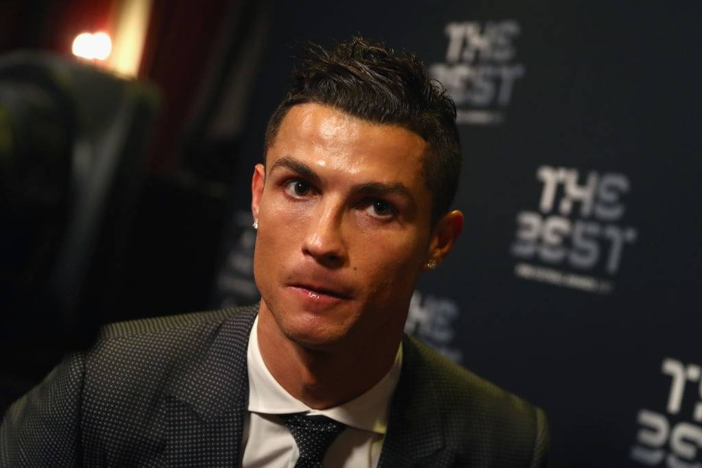 Swafoto Cristiano Ronaldo Diselar Ketika Kehilangan Emiliano Sala Masih Jadi Tanda Tanya