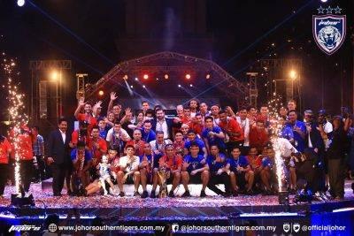 Penyokong JDT rai sambutan kejuaraan Liga Super kali kelima berturut-turut