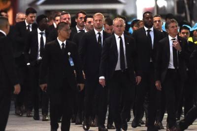 Pemain Leicester City Tiba Di Bangkok Untuk Memberi Penghormatan Terakhir Kepada Vichai Srivaddhanaprabha