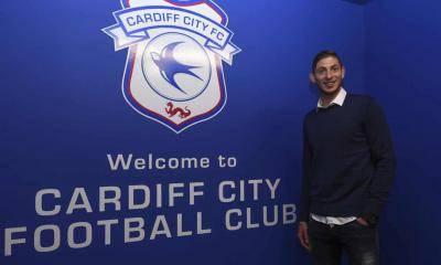 Kapal Terbang Bawa Pemain Cardiff Dikhuatiri Terhempas