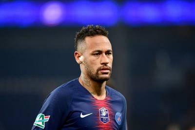 Kecederaan Buat Neymar Menangis Selama Dua Hari