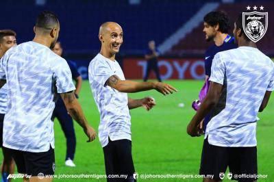 Kelibat Natxo Insa Belum Dipastikan Ketika JDT Melayan Kunjungan Gyeongnam FC