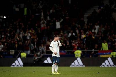 Lagenda Argentina kritik sikap Messi
