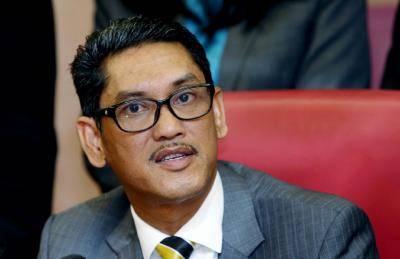 Faizal Azumu letak jawatan Presiden PAFA