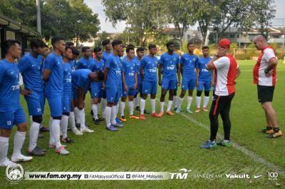 Malaysia B-19 satu kumpulan dengan Thailand, Kemboja