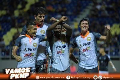 PKNP FC buat anak buah Irfan Bakti berpeluh