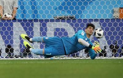 Three Italian clubs want Iran national team goalkeeper