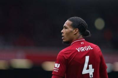 Mengapa van Dijk memilih nama 'Virgil' di belakang jersi