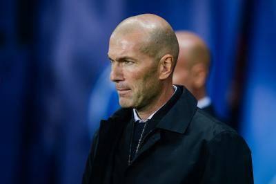 Zidane mula kusut kepala