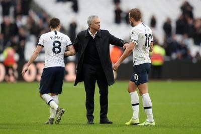 Langkah  kanan Mourinho