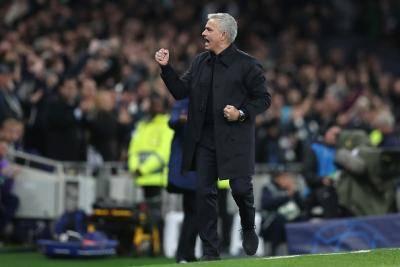 Mourinho sanjung budak pengutip bola