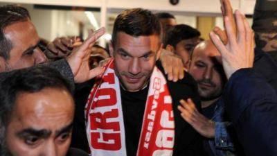 Lukas Podolski sertai Antalyaspor
