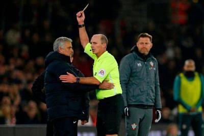"Mourinho calls Southampton coach ""an idiot"""
