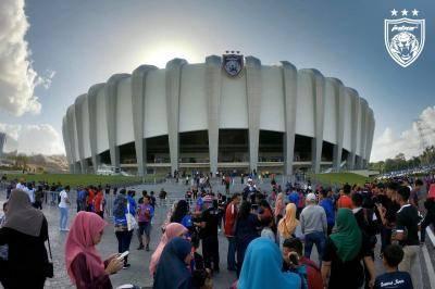 Stadium Sultan Ibrahim dirasmi dengan gilang-gemilang