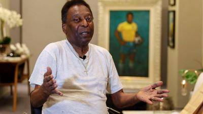 Pele is 80, and he is depressed