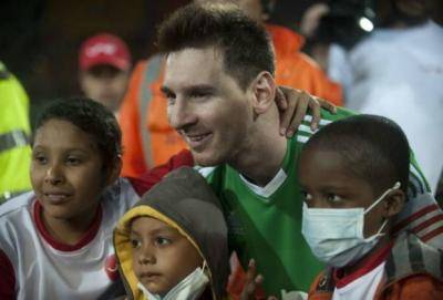 Lionel Messi donates 1 million to hospital in Spain and Argentina