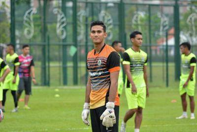 Penjaga gol Kuala Lumpur beri sumbangan ketika COVID-19