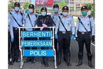 Rakyat Malaysia di kalangan umum memberi berbagai alasan aneh di sekatan jalan raya, kata Mohd Hariz