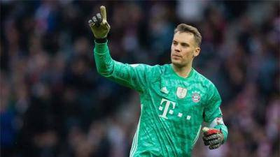 [VIDEO] Manuel Neuer is 35, but he is still the best sweeper-keeper in the world